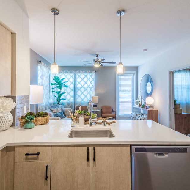 The Braydon - Fully Equipped Kitchen With Stainless Steel Appliances And Breakfast Island